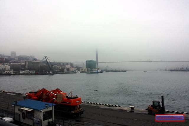Строящийся мост на остров Русский