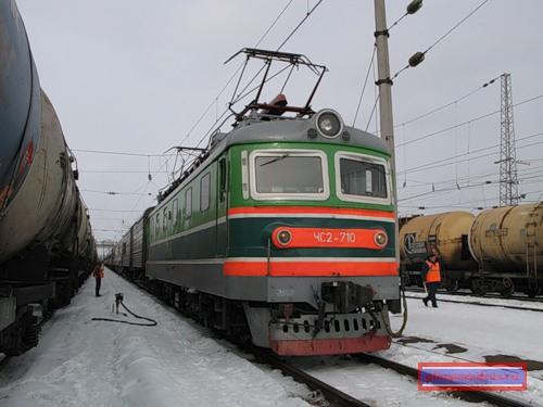 локомотив ЧС-2