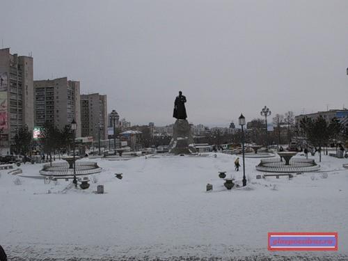 общий вид на привокзальную площадь Хабаровска