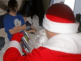 Восхищение и удивление в детском взгляде на Деда Мороза в поезде «РОССИЯ»
