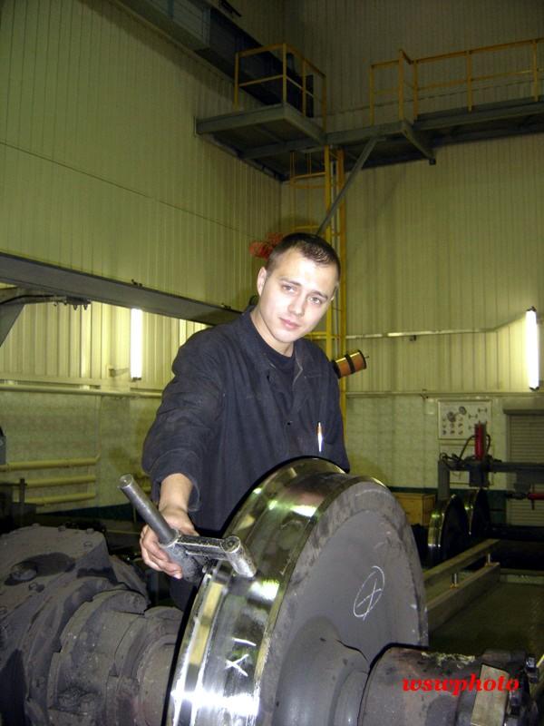 ВКМ: ремонт редукторной колёсной пары под руководством мастера Карлусова Павла